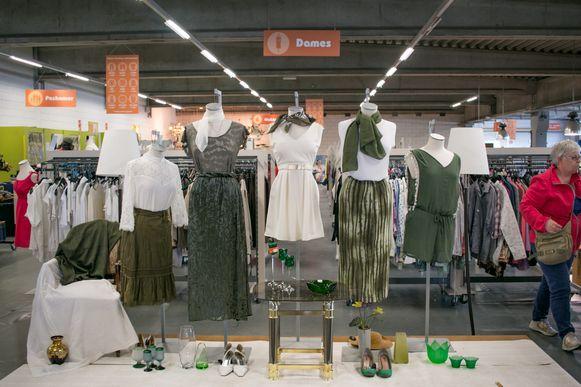 De Kringwinkel in Sint-Niklaas, waar onder meer het ingezamelde textiel een tweede leven krijgt.