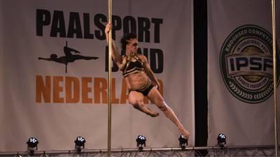 Amsterdamse Dineke Minten wereldkampioen paaldansen