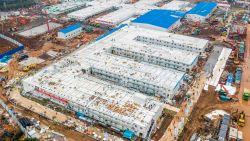 China bouwt gigantisch ziekenhuis voor 1.000 patiënten in amper 10 dagen: hoe hebben ze dat klaargespeeld?