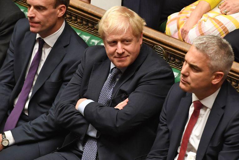 Boris Johnson (midden). Beeld AFP