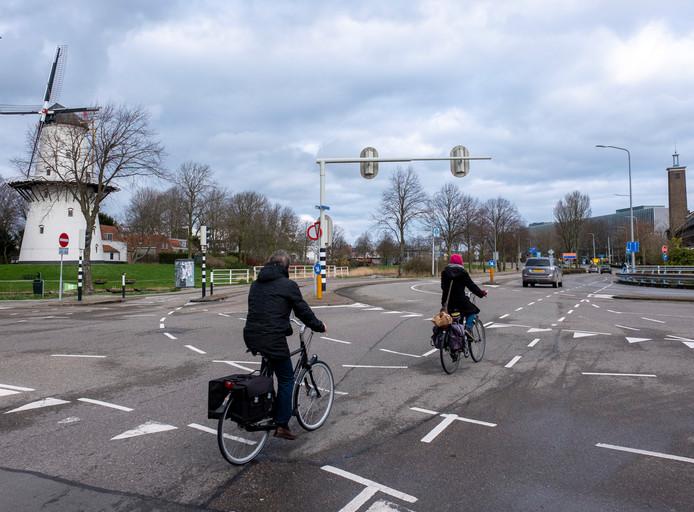 Het gevaarlijke kruispunt van de Nieuwe Vlissingseweg en de Poelendaeleweg.