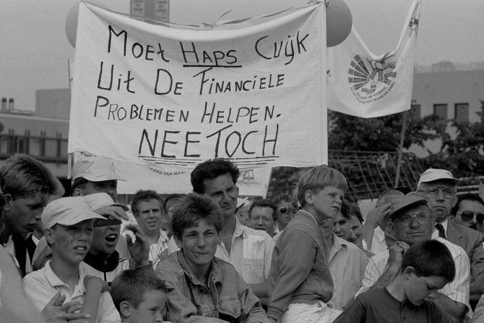 Herindeling in de regio staat niet voor het eerst op de politieke agenda. In 1988 was er voor het provinciehuis in Den Bosch fel protest tegen onder meer een samengaan van Haps met Cuijk.