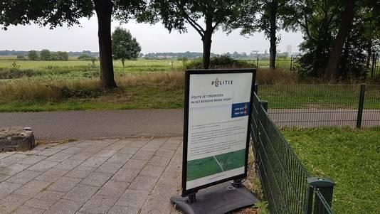 Dit soort stoepborden moet politie helpen bij onderzoek naar de gewonde vrouw in Bossche Broek.