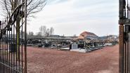Leerlingen academie doorbreken stilte op kerkhof tijdens Reveil