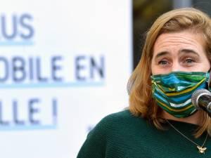 Menacée de mort sur Facebook, la ministre Elke Van den Brandt dépose plainte