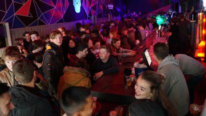 """Tieltse jeugdcafés geven er een laatste lap op voor verplichte sluiting van drie weken: """"Overbruggen wordt voor niemand makkelijk. Een laatste feestje helpt"""""""