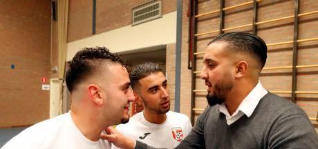 Bizar: strafschoppen moeten over; zaalvoetballers ZVV Eindhoven opnieuw naar Rotterdam