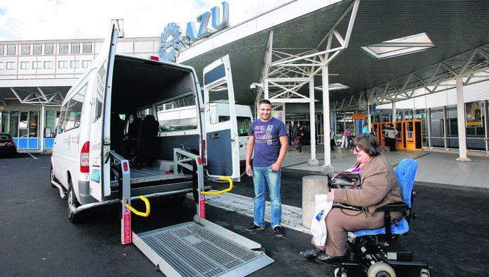 De Regiotaxi aan het werk bij het AZU.