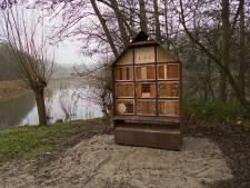 De Natuurtuin heeft nu twee insectenhotels