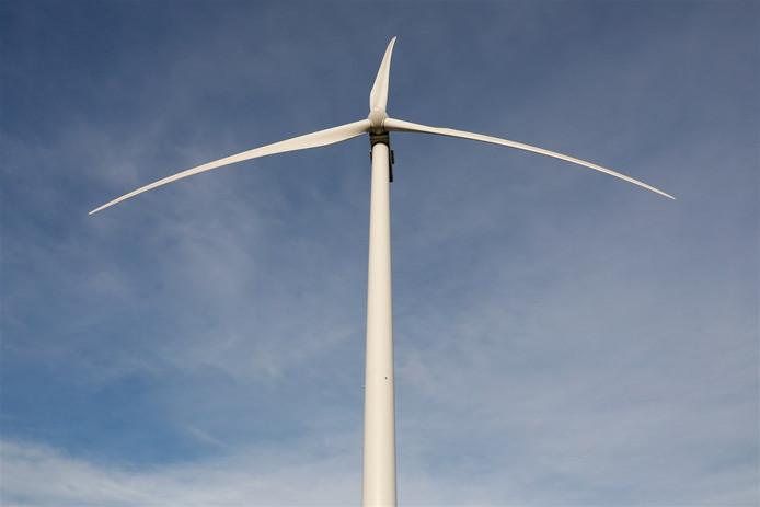 Langs het Veluwemeer op bedrijventerrein Lorentz in Harderwijk komen drie windmolens, de vraag is nog even hoe hoog ze kunnen worden.