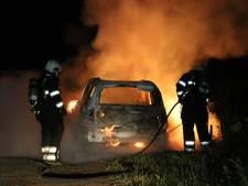 Auto brandt volledig uit in Boxmeer