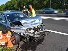 Auto zwaar beschadigd bij ongeluk A58 tussen Breda en Etten-Leur