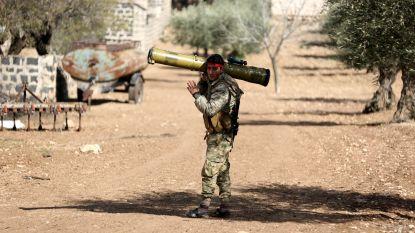 Turks leger omsingelt stad Afrin om Koerdische strijders te verdrijven