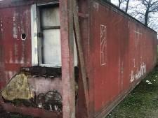 Wie mist drie containers in Hilvarenbeek? Ze moeten snel weg