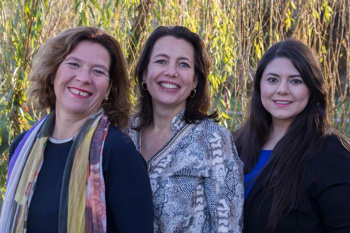 De gemeenteraadsfractie van het CDA in Boxtel bestaat louter uit vrouwen: Vera Brouns, Hélène van As en Kübrâ Atalay (vlnr).