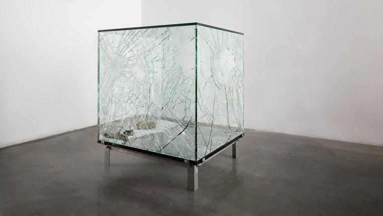 One Cubic Meter of Broken Silence, 2011 installatie 104 x 104 x 104 cm. Beeld Courtesy Annet Gelink Gallery / Foto Eddo Hartmann.