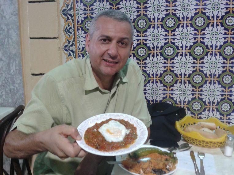 Hisham ben Khamsa, organisator van filmfestivals en een spilfiguur in de civil society van Tunesië Beeld Rob Vreeken