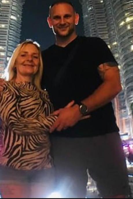 'Mijn moeder betaalde alle kosten voor mijn huwelijk, 9 maanden later had ze kind van mijn man'