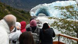 Duizenden toeristen reisden hiervoor naar Patagonië, maar ijsboog breekt af wanneer niemand het ziet
