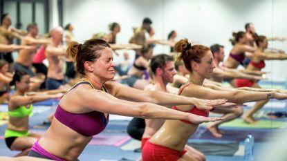 Bikram-yoga is niet gezonder dan gewone yoga (maar je verbrandt er wel meer vet mee)