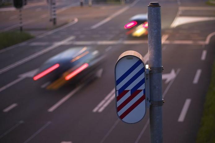 Telefoon-apps die waarschuwen voor snelheidscontroles zijn vanaf heden verboden in Duitsland.