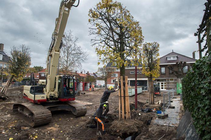 De gemeente is in oktober gestart met de herinrichting van het Molenplein.
