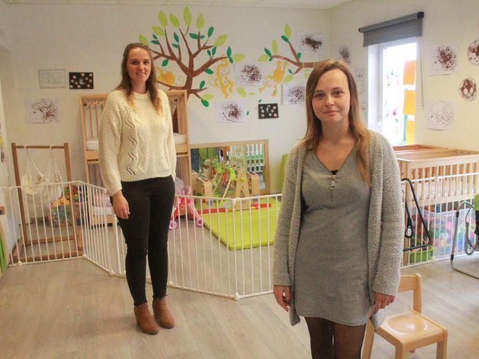 Kinderverzorgster Xenia Casaert en woordvoerster Maxime Dehulster van Infano vzw