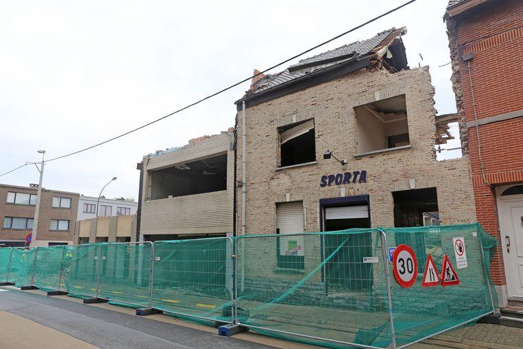 Ook café Sporta verdwijnt onder de sloophamer.