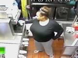 Vrouw breekt in bij McDonalds om voedsel te stelen
