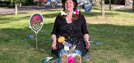 Dankzij Soesterkwartierse Kath (48) kunnen 16.000 kinderen zomer lang activiteiten doen
