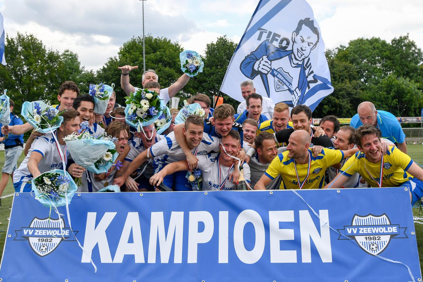 Ronald Hoek werd in 2019 kampioen in de vierde klasse met Zeewolde, de routinier hoopt zijn team komend seizoen nog naar de tweede klasse te leiden.