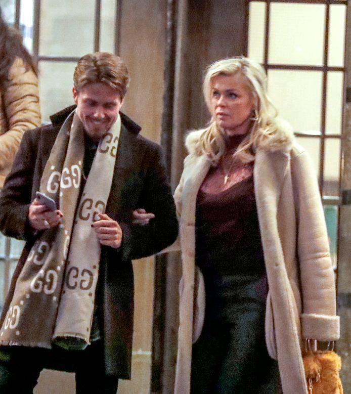 André Hazes en Bridget Maasland, na drie uur wachten op de plaat voor restaurant Ceconni's in Amsterdam.