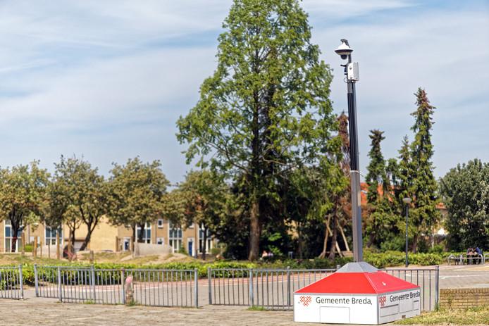 Oosterhout - 23-05-2019 - Pix4Profs / Johan Wouters - In de Oosterhoutse wijk Oosterheide is een camera geplaatst aan de Kamerlingh Onnesstraat, nadat de burgemeester eerder een samenscholingsverbod heeft ingesteld om overlast tegen te gaan.