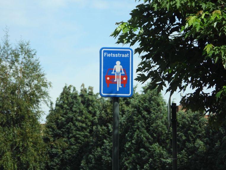 Edward De Denestraat is vanaf nu een fietsstraat