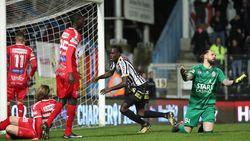 LIVE: Fall zet Charleroi op rozen (2-0)