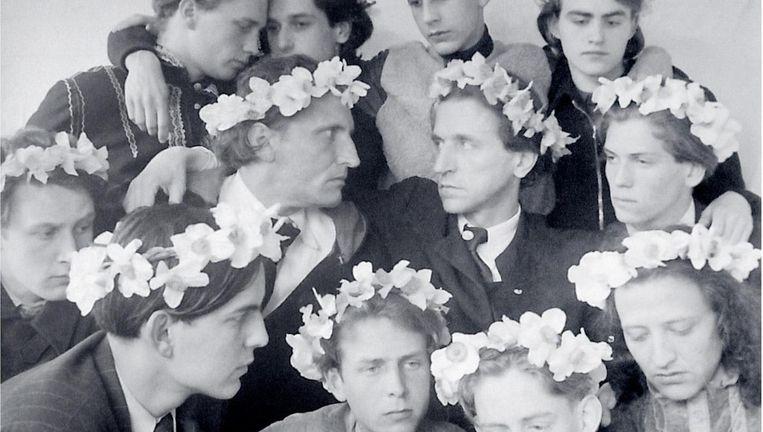 Leden van Castrum Peregrini in de jaren 40, met rechts in het midden oprichter Wolfgang Frommel. Beeld Archief Castrum Peregrini Amsterdam