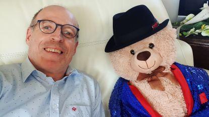 """De lockdown van cabaretier Karel Declercq: """"De beer aan mijn raam is minder werkloos dan ik"""""""