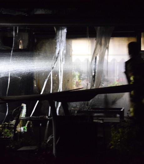 Fikse schade aan woning in Doetinchem door brand aan steiger