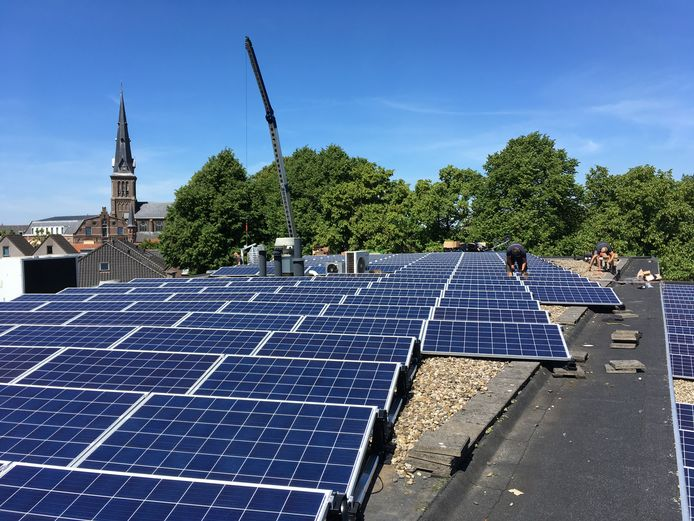 Het stadskantoor in Oudewater wordt voorzien van zonnepanelen