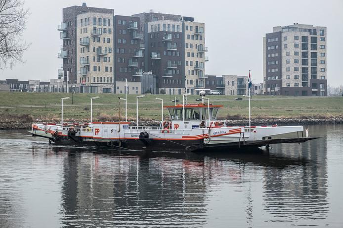 Het pontje Middelaar-Cuijk.