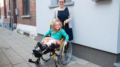 """Dubbele beenbreuk na vluchtmisdrijf aan Sportpaleis: """"Hannelore (5) zal terug moeten leren stappen"""""""