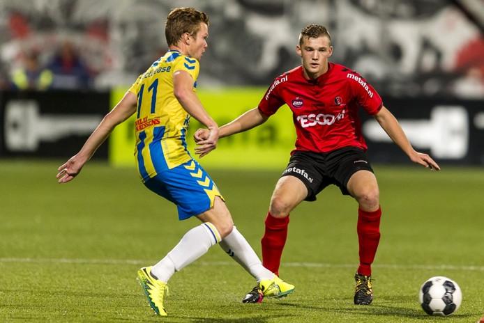 Jeroen Verkennis (rechts) ligt tot medio 2020 vast bij Helmond Sport.