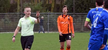 Vlissingse scheidsrechter Niels Boel (22) krijgt plek in talententraject betaald voetbal