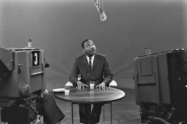 Martin Luther King, in 1964 in Bussum, waar hij geïnterviewd werd door de NCRV. Beeld ANP Historisch Archief