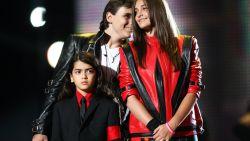 Wat moeten de kinderen van Michael Jackson aan met zulke verhalen over hun vader?
