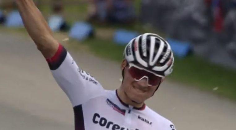 Van der Poel won in Nove Mesto voor Nino Schurter.