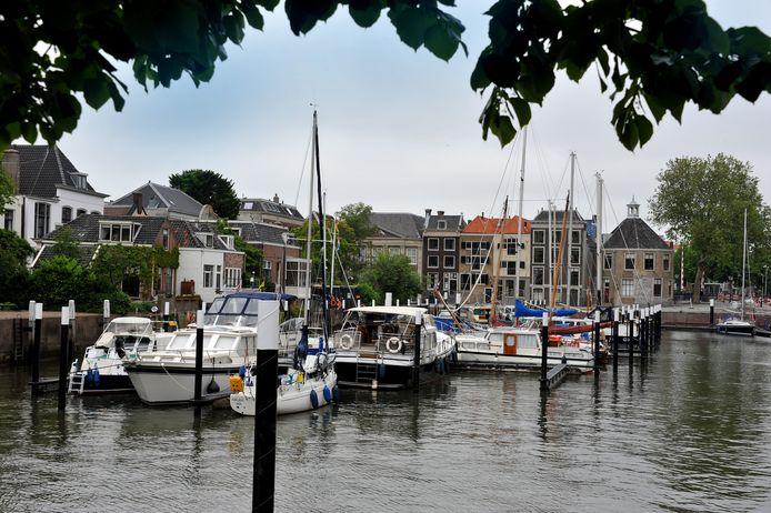 Jachthaven Maartensgat in Dordrecht Foto : Rinie Boon
