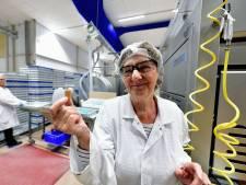 Annie (69) uit Roosendaal werkt al halve eeuw in snoepfabriek van Lonka