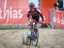 De Belg Eli Iserbyt heerst in Vestingcross op z'n Van der Poels