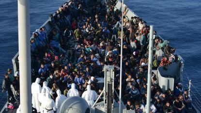 Spaanse marine redt 500 vluchtelingen in Middellandse Zee